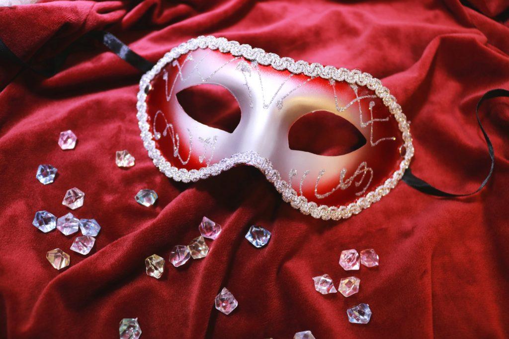 仮面舞踏会のマスク
