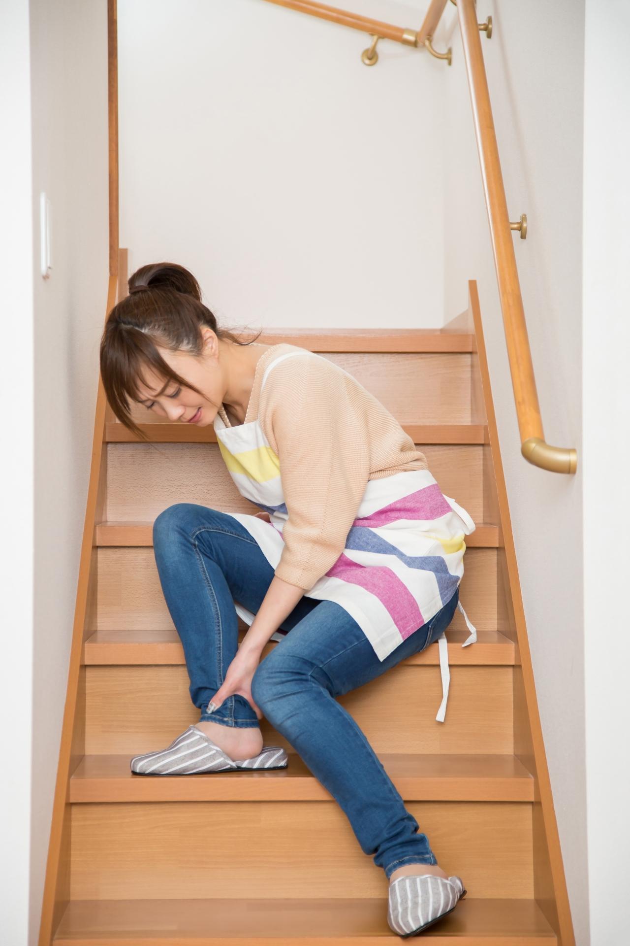 アキレス腱が痛い女性