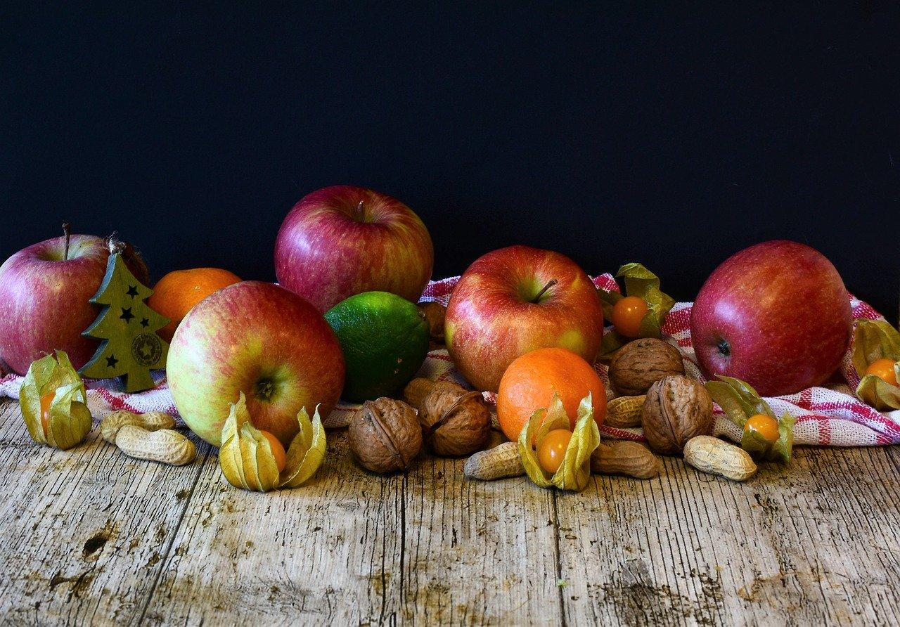 フルーツやナッツ類
