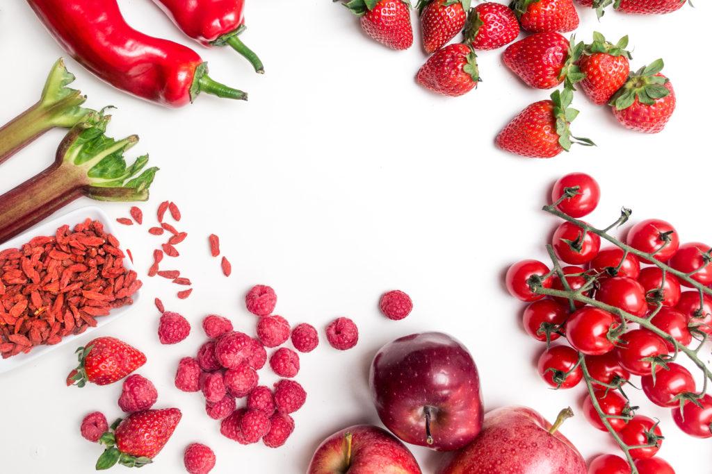 赤いフルーツと赤い野菜