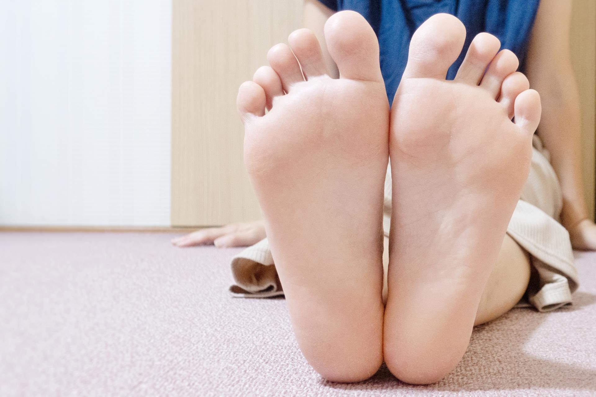 語源 洗う 足 を