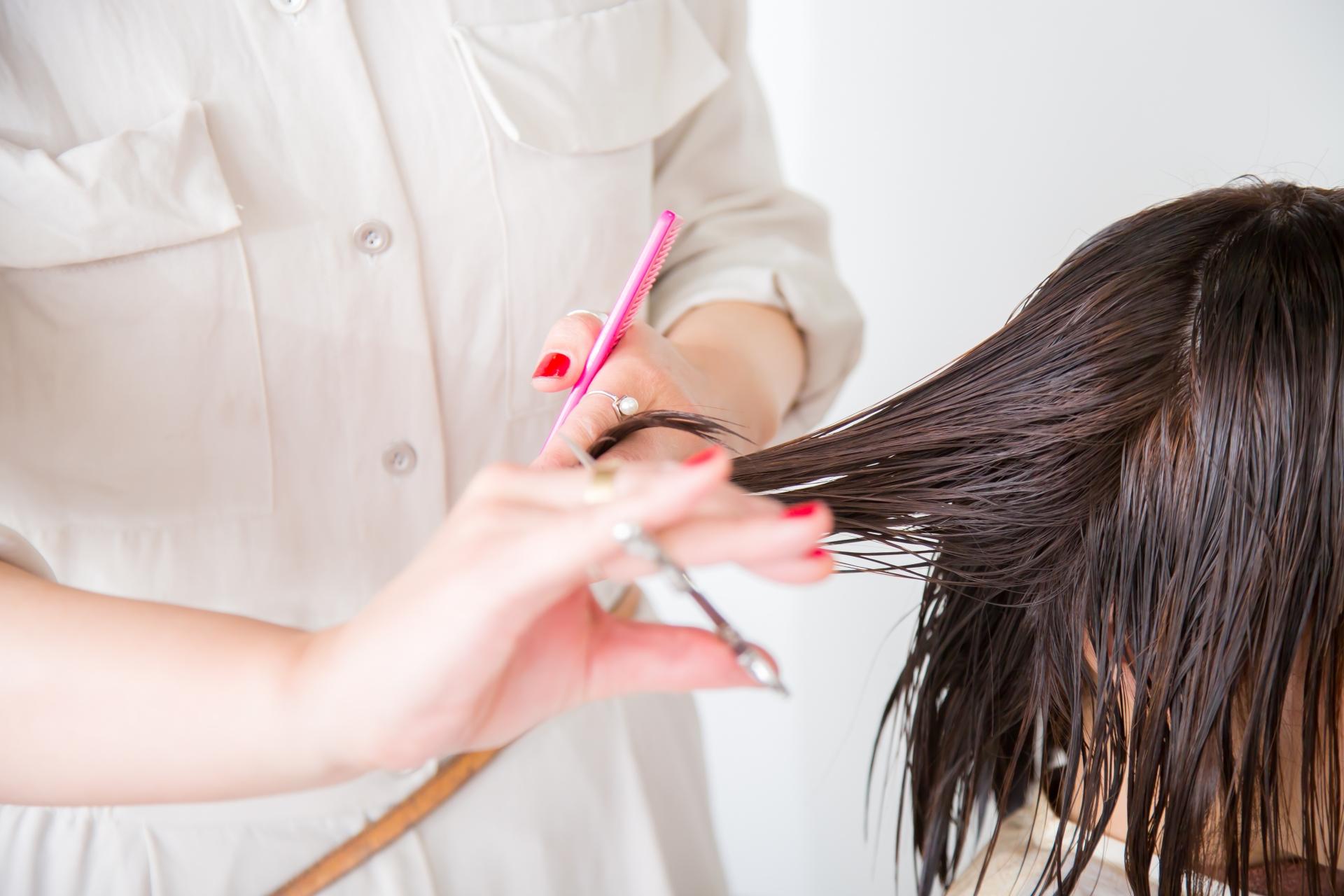 美容師の手