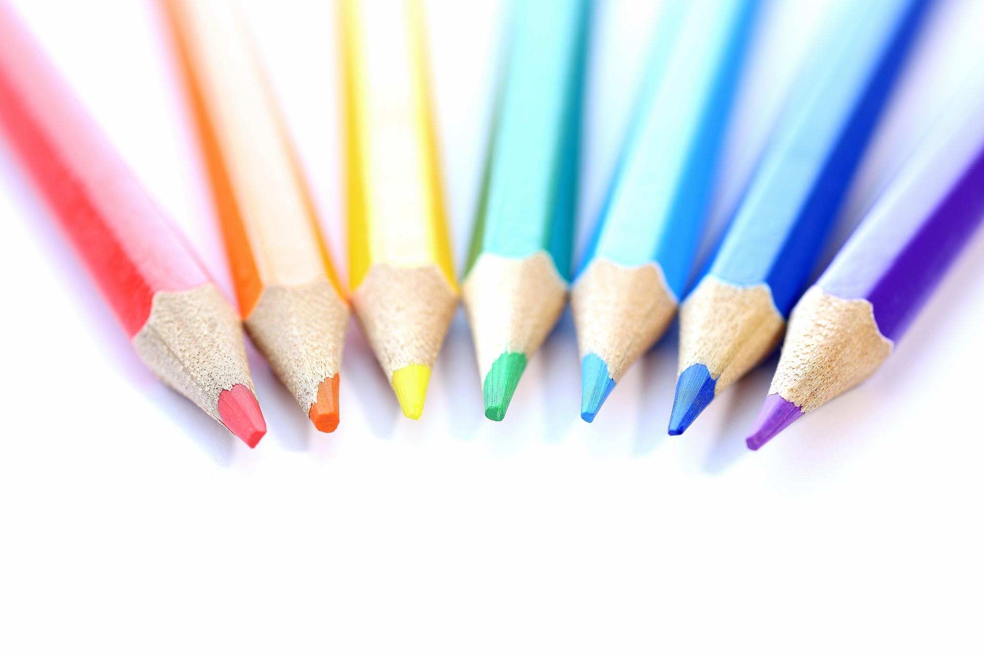 虹色の色えんぴつ