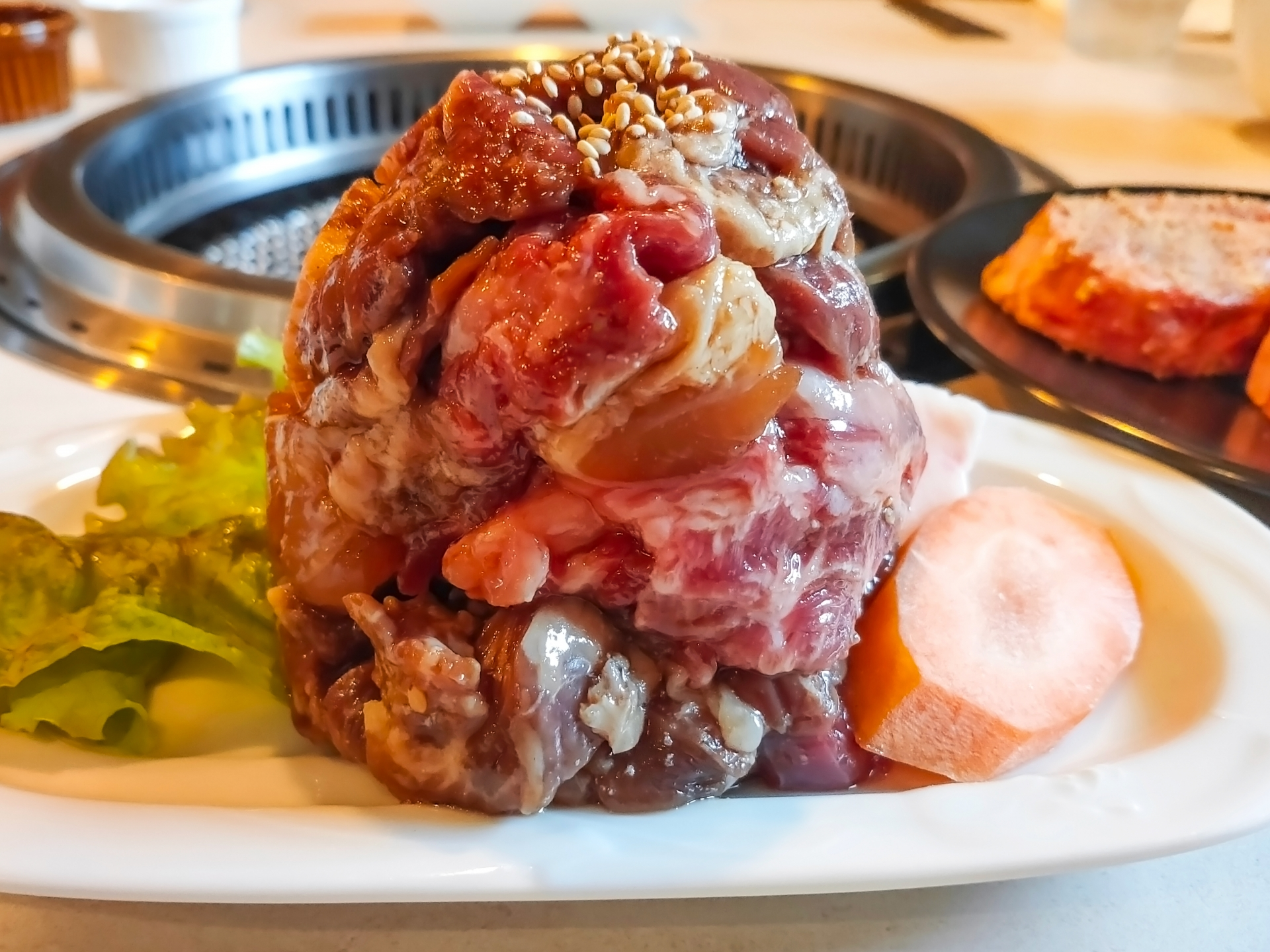 大盛りの肉