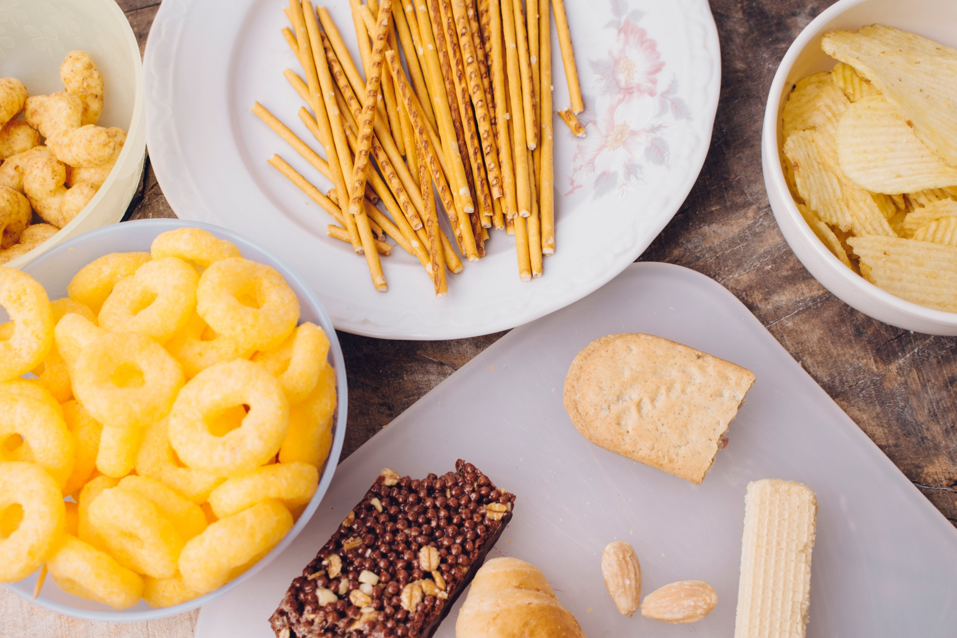 トランス脂肪酸を含むスナック菓子