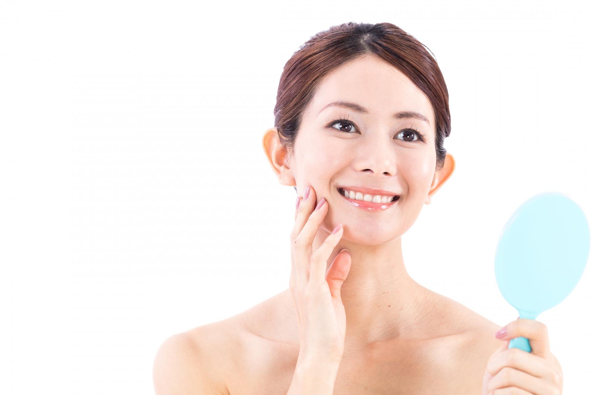 歯並びの綺麗な女性