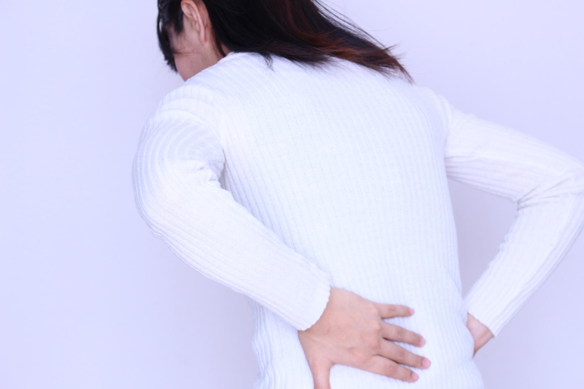 腎盂腎炎による背中の痛み