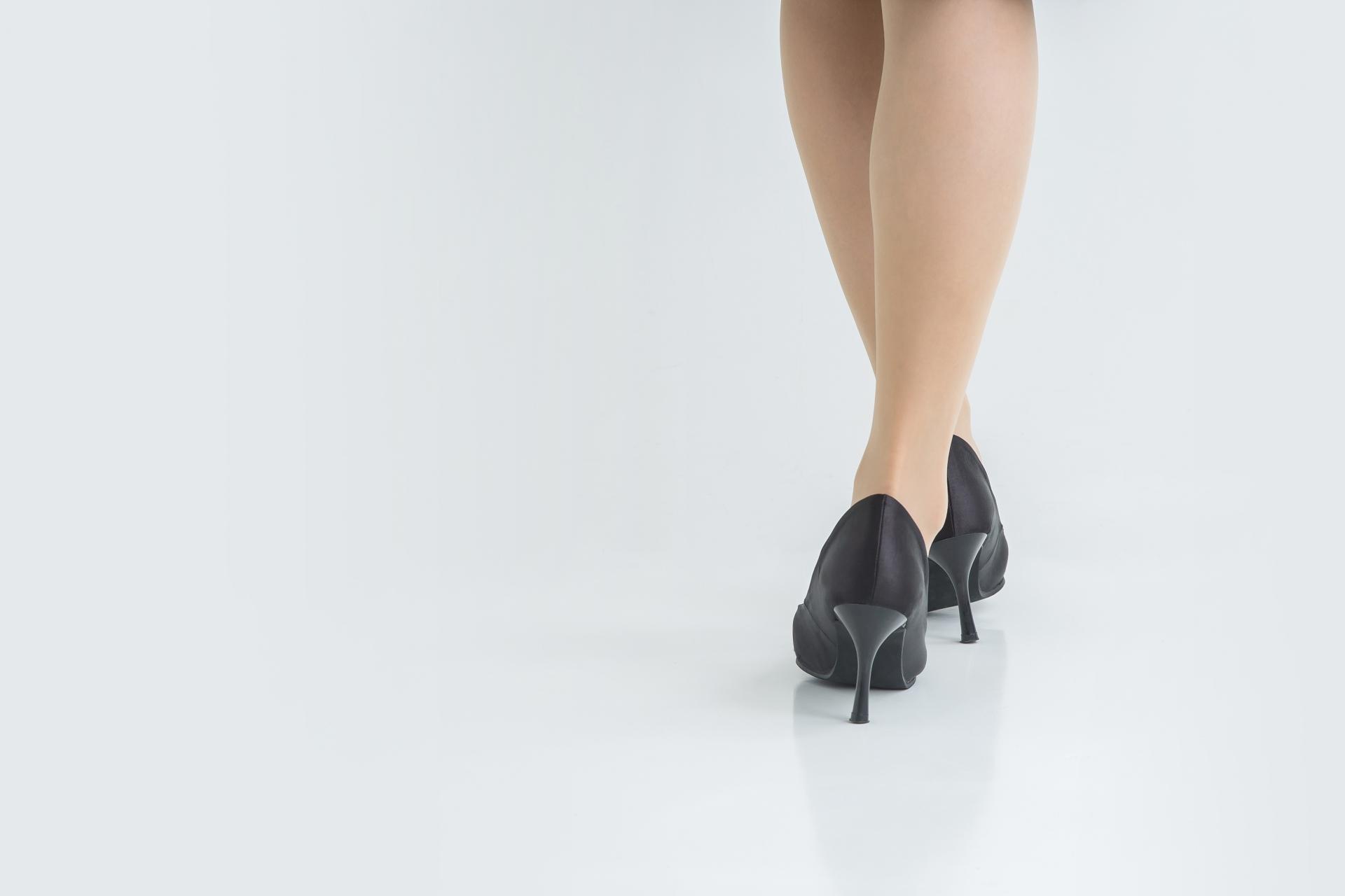 足のむくみ筋力低下