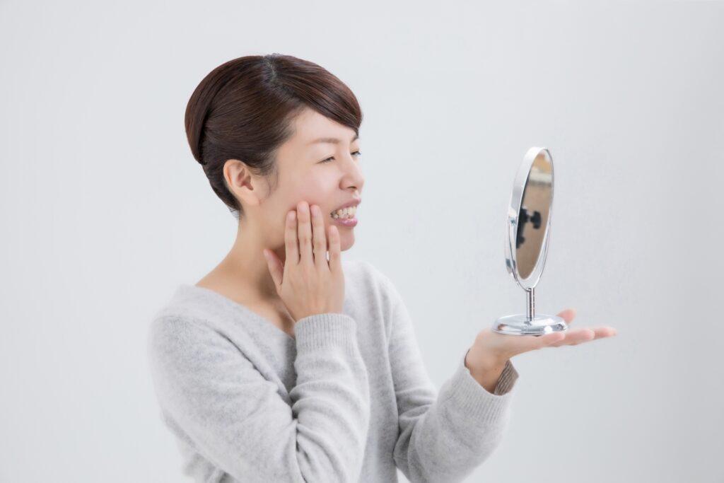 歯周病を気にする女性