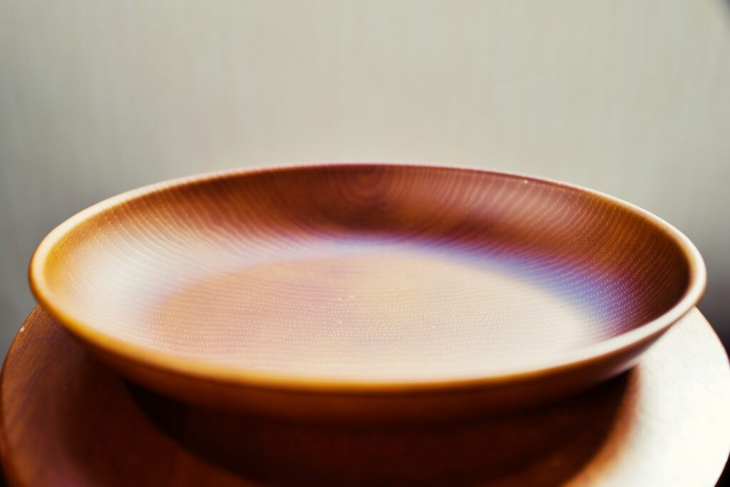 絶食のイメージの空の皿