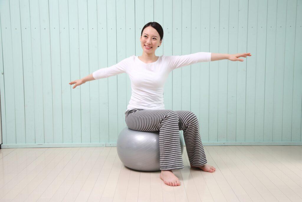 生活改善で脂肪肝を予防する女性