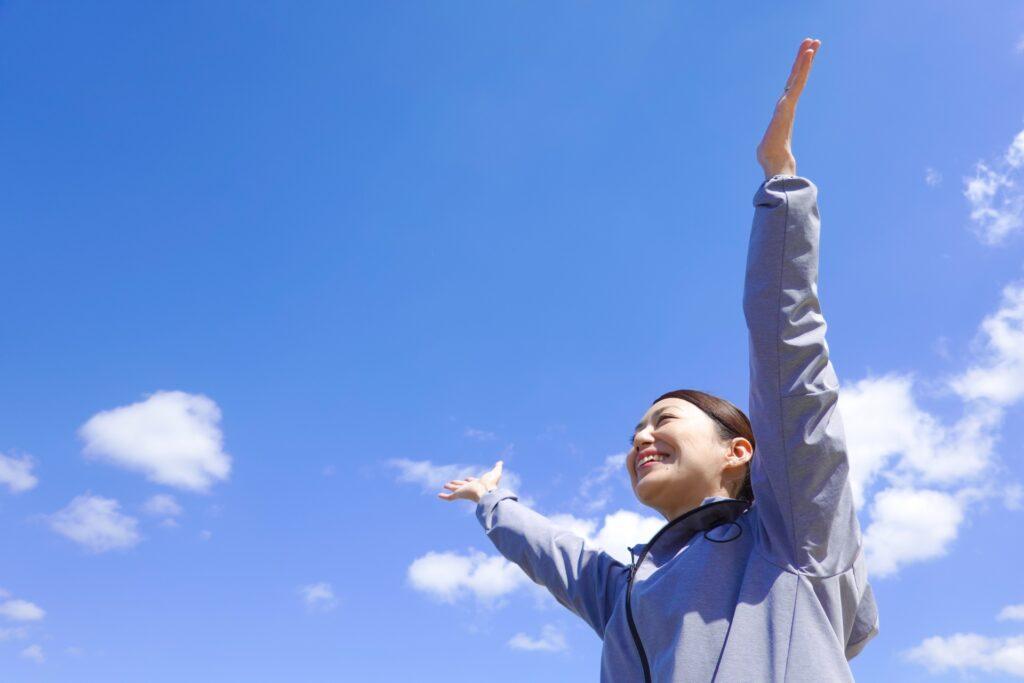生活改善で若年性認知症を予防する女性