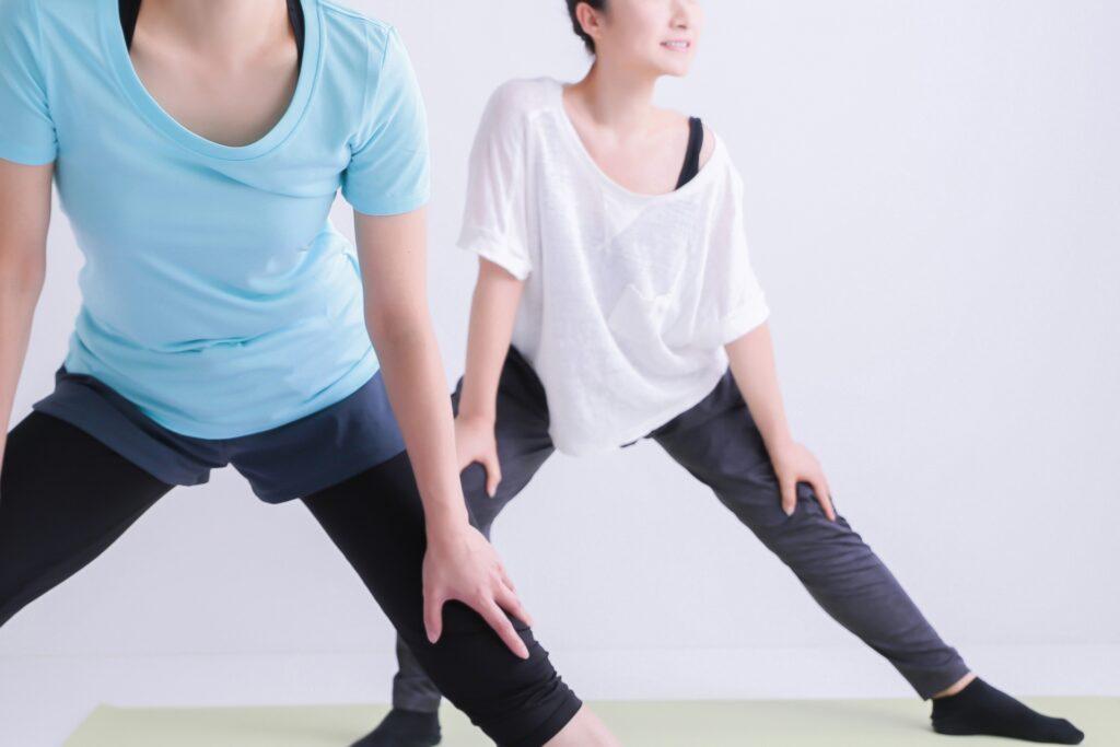 筋力低下を気にして軽い運動をする女性