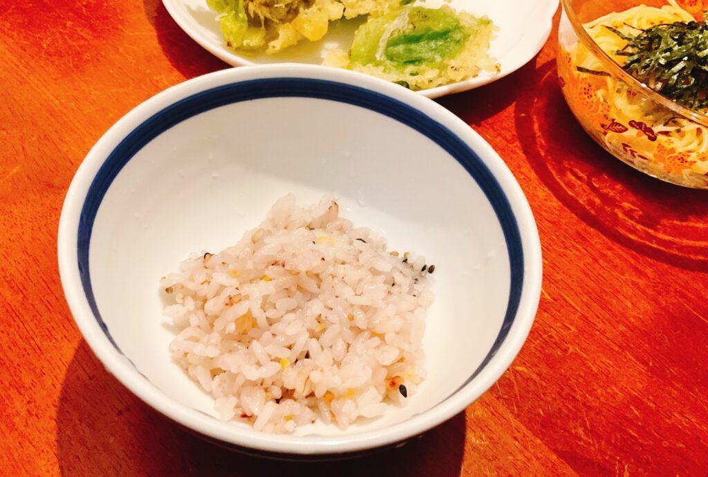 小盛りの雑穀米
