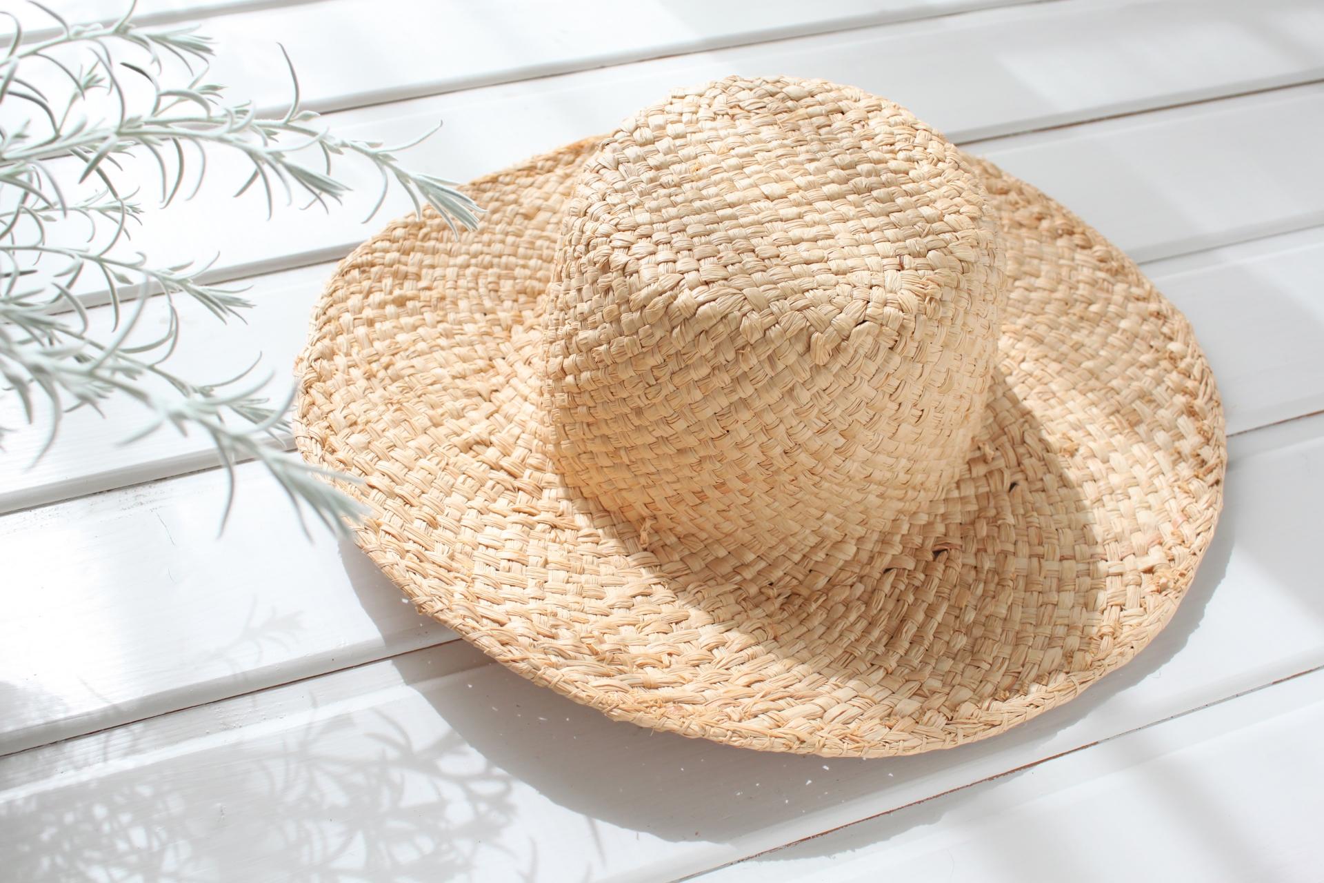 有害な紫外線 麦わら帽子