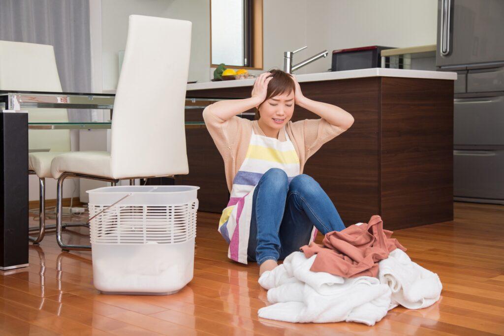 家事でストレスを感じている女性
