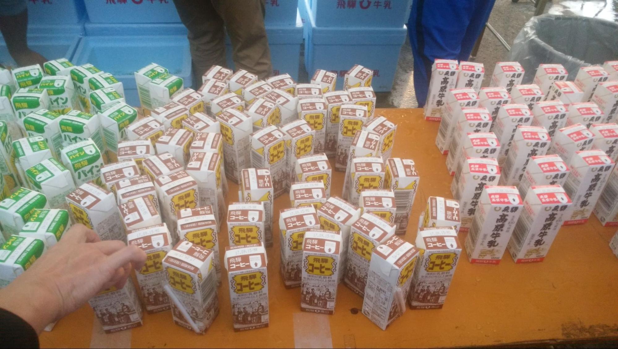 2017年9月白山白川郷ウルトラマラソンでの牛乳エイド