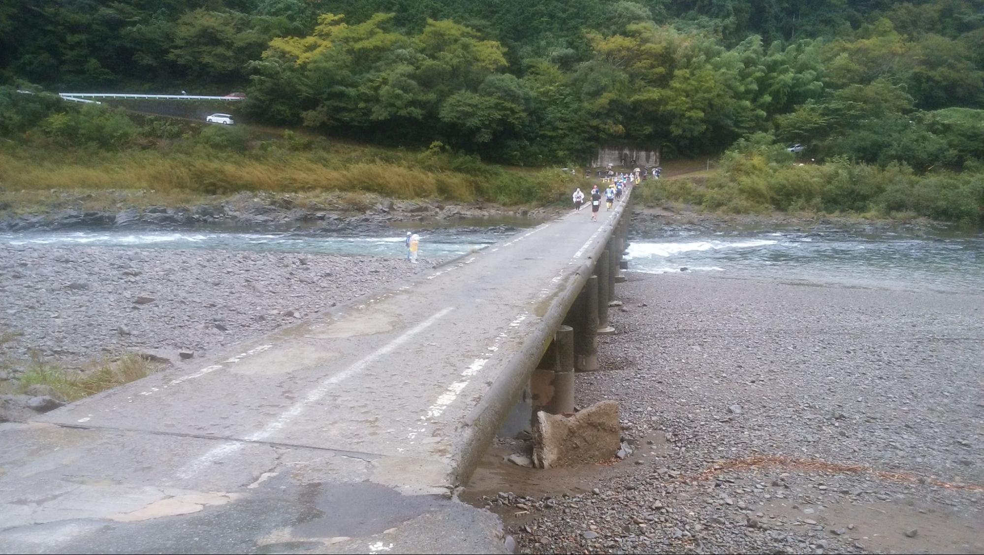 2017年10月四万十川ウルトラマラソン100㎞に出場した時の写真 名物コース沈下橋