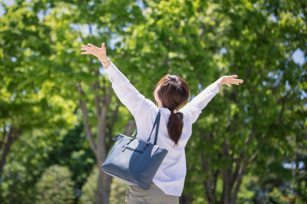 便チェック ストレスリリースをする女性