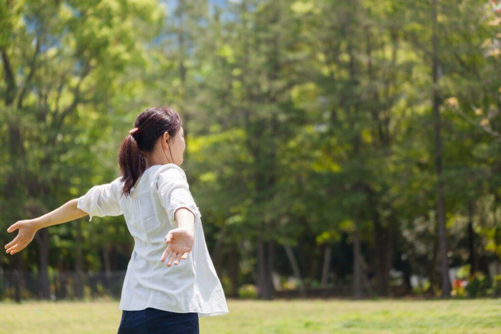 コロナ禍のストレス回避 自然の中で深呼吸