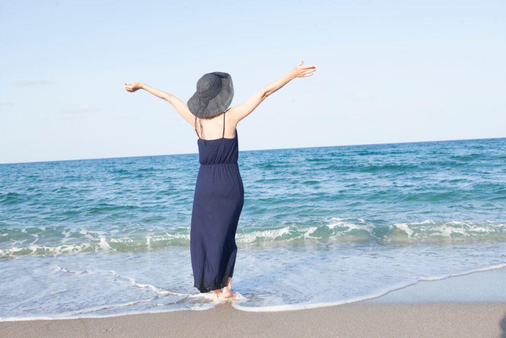コロナ禍のストレス回避 海で深呼吸